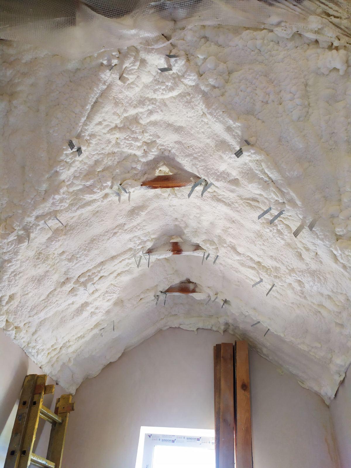 Как качественно утеплить крышу при ограниченном бюджете?